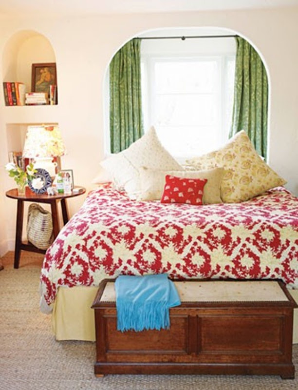 Imagine Design » Home Makeover Monday: Placing your bed under a window