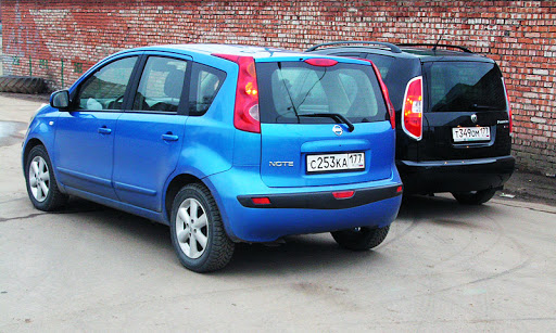 2006 Nissan Note. (Nissan Note, Moscow 2006)
