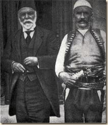 Ismail Qemali me Isa Boletinin, kreu i kryengritjes së kosovarëve kundër turqëve