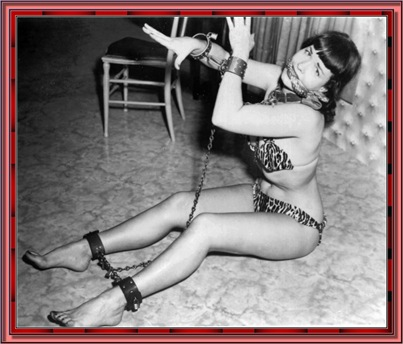 betty_page_(klaws)_157