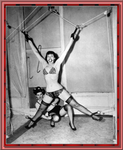 betty_page_(klaws)_163