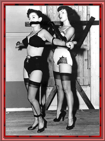 betty_page_(klaws)_097
