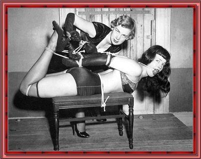 betty_page_(klaws)_087