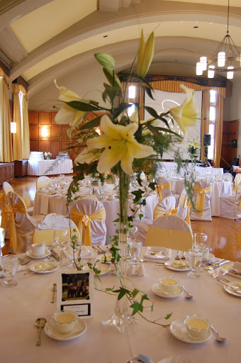 Lily centerpieces Michigan wedding planning