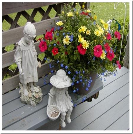 2009_deck_flowers_002