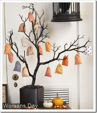 Mini-Treat-Bags-and-Tree_full_article_vertical