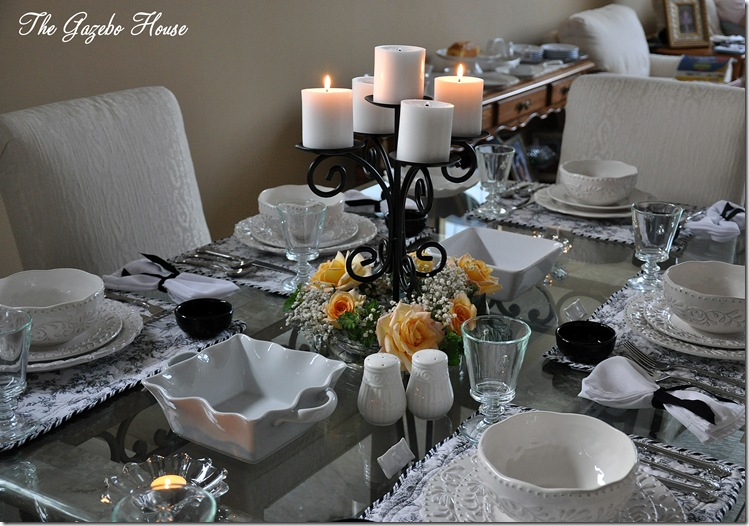 Black & White & Yellow Table