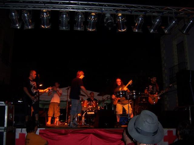 Actuación de El Falo de Vigo en Los Templarios de Almoradí
