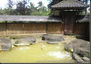 kolam jacuzzi