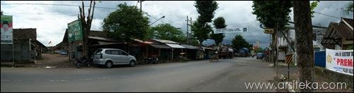eksisting pasar kalisat - area masuk (entrance)