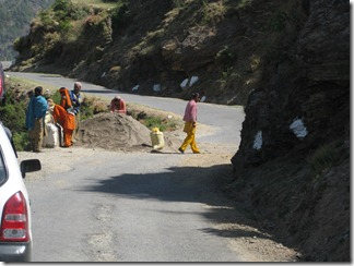 To Manali - 21 - Road workers