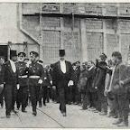 Император Николай ІІ при посещении цехов завода в Николаеве