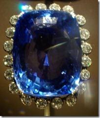 The 423 carats (85 g) blue Logan sapphire