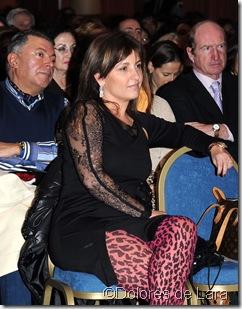 Beatriz Cortázar y Gonzalo Presa al fondo