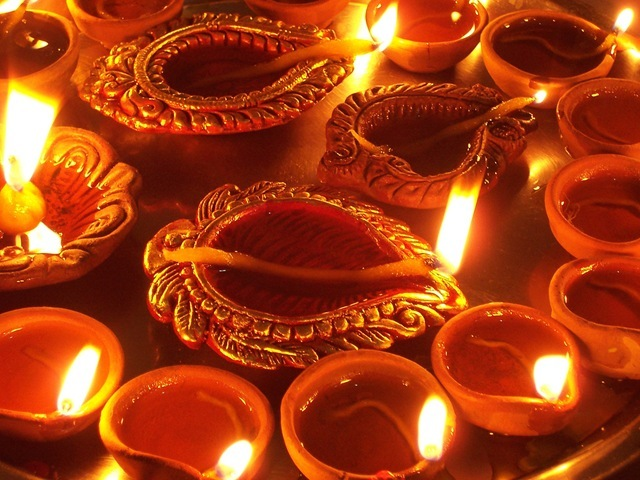 [Diwali_Diya_2[2].jpg]
