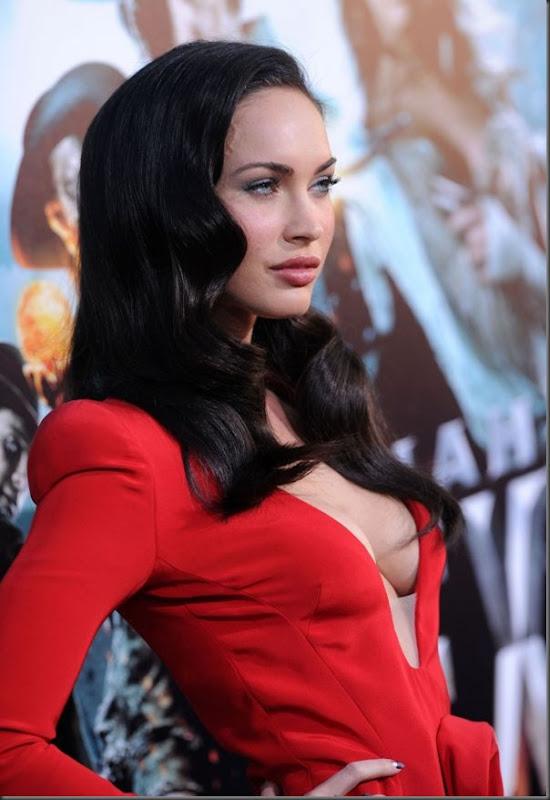 Megan Fox de vestido vermelho (2)