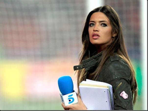 Paraguai x Espanha Sara Carbonero  e a  Larissa Riquelme (6)