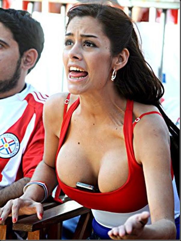 Paraguai x Espanha Sara Carbonero  e a  Larissa Riquelme (2)