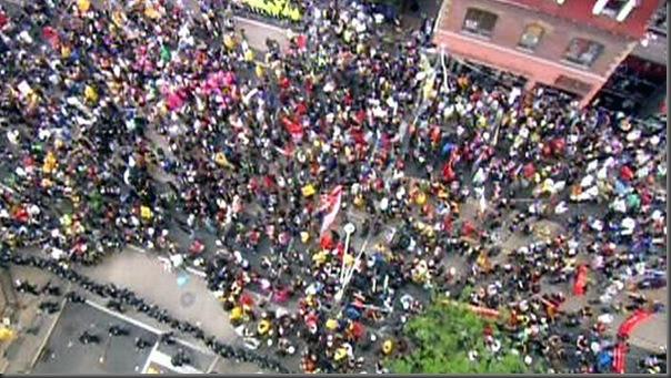 Manifestantes em Toronto contra o G20 (7)