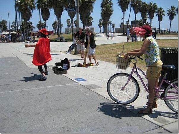 Fotos de pessoas estranhas e engraçadas em praias americanas (19)
