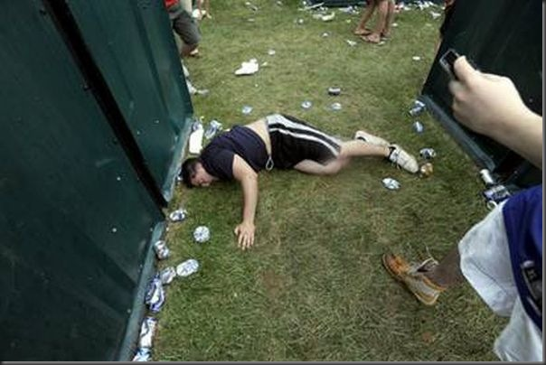 Pessoas totalmente embriagadas em eventos (6)