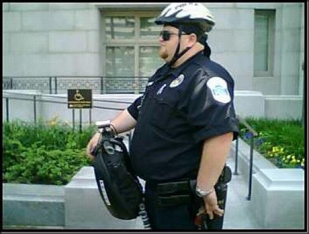 Policiais gordos (13)
