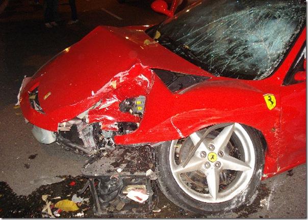 Ferrari bate 2