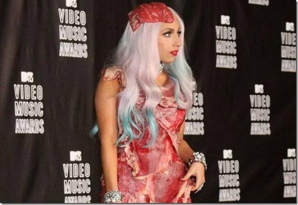 Lady Gaga e seu vestido feito de Carne