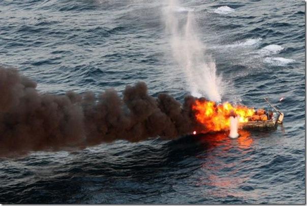 Destruição de um barco de piratas (3)