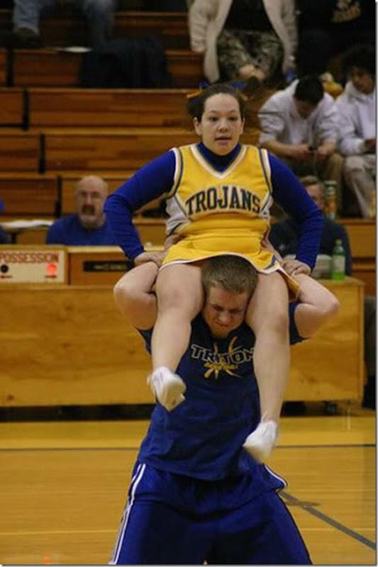 Cheerleaders fail (16)