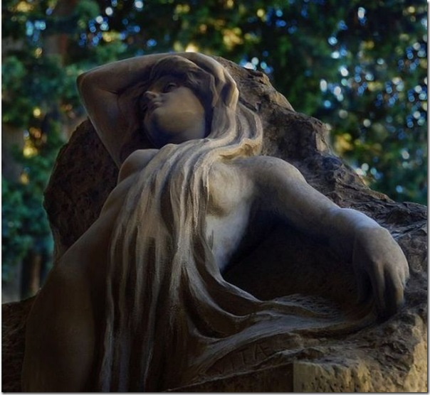 Esculturas no Cemitério (5)