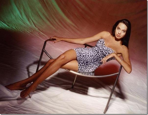 A jovem Angelina Jolie (35)