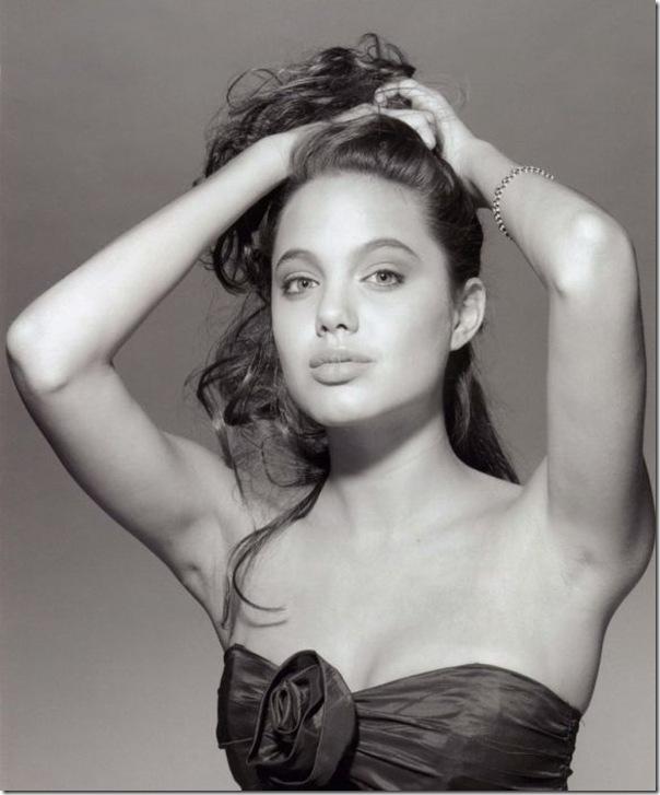 A jovem Angelina Jolie (29)