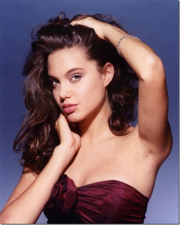 A jovem Angelina Jolie (26)