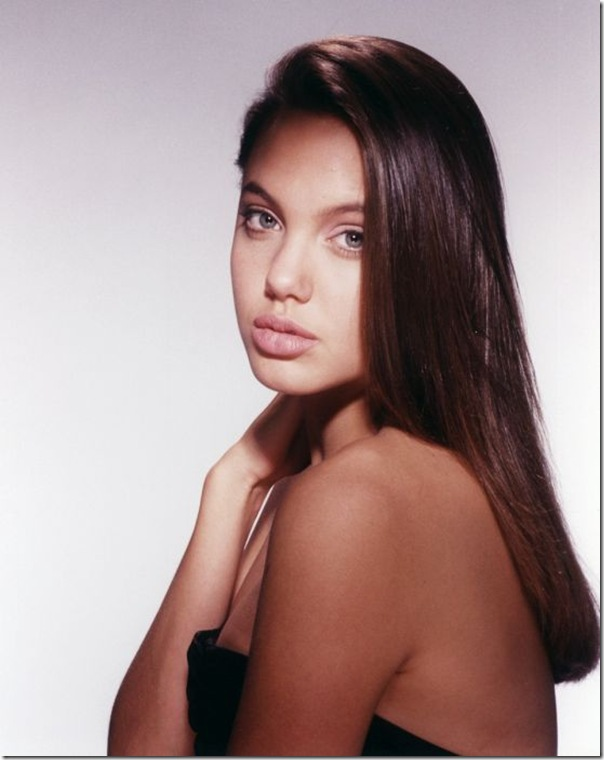 A jovem Angelina Jolie (2)
