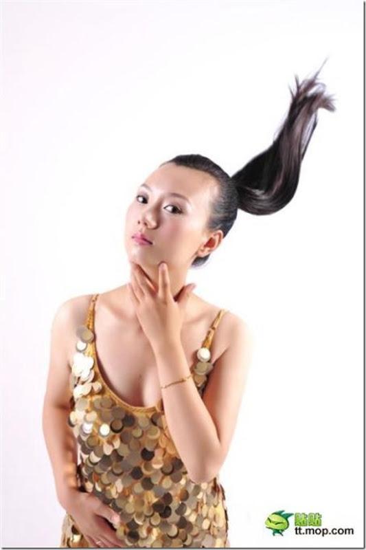 Como a maquiagem e o photoshop é possível mudar uma garotal (1)