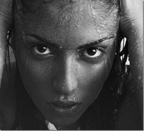 A beleza das garotas em fotos preto e branco (6)