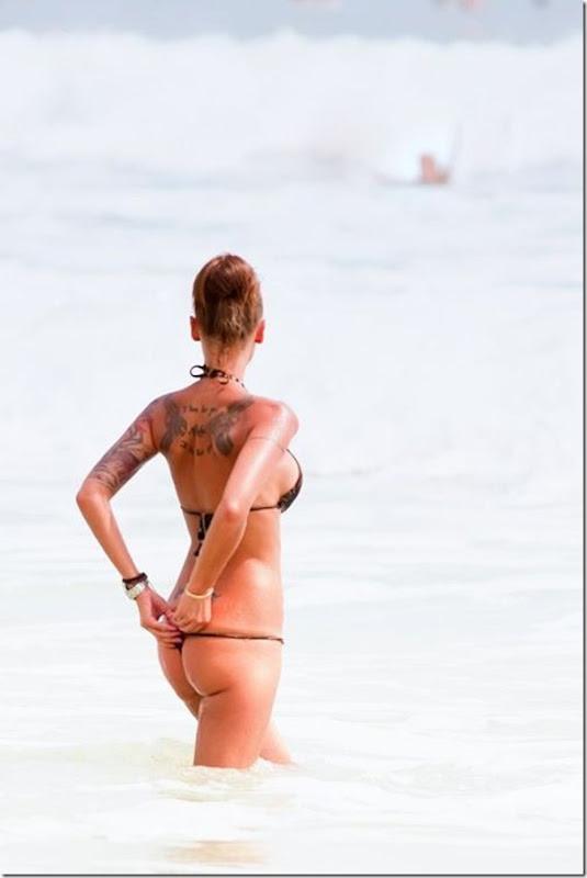 Bela garota tatuada (4)