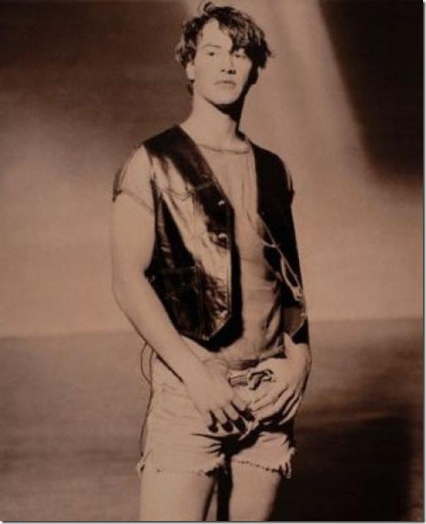 Fotos estranhas de Keanu Reeves (2)