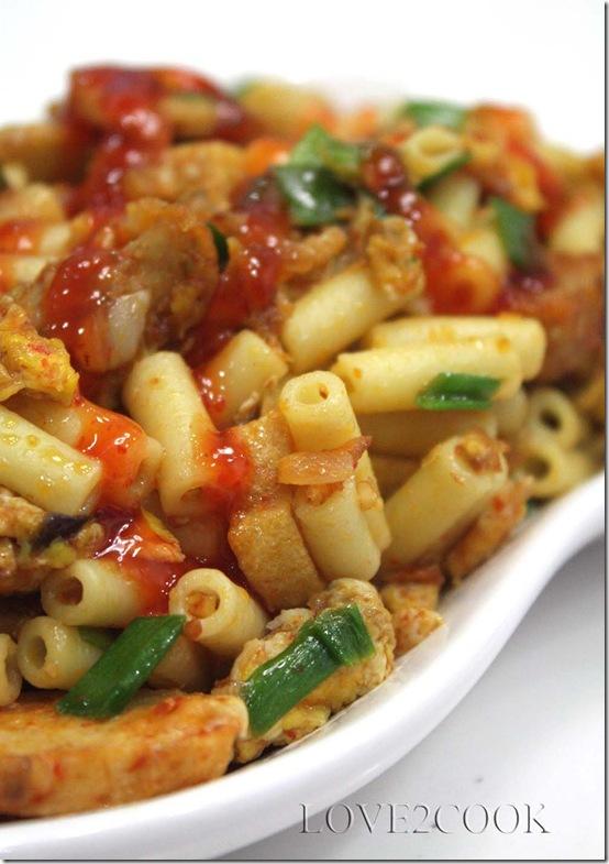 StirFried Macaroni with fishballscakes2