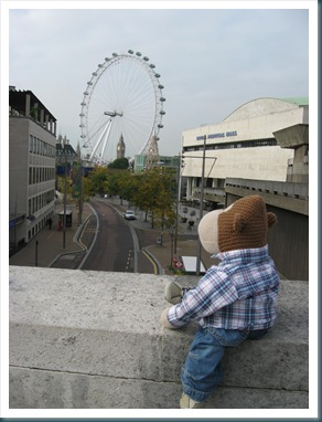 London Eye and Monkey