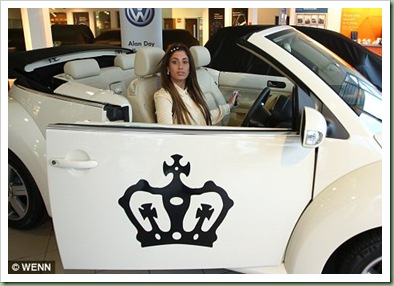 Queen_of_the_Jungle_Stacey_Solomon_picks_up_her_customised_car_fit_for_a_princess_3