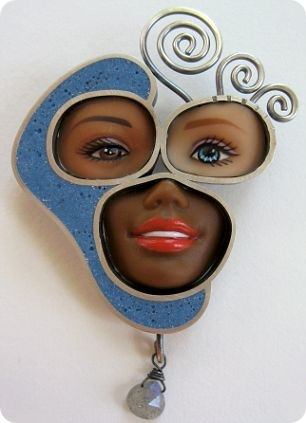 Barbie dolls make up a face brooch