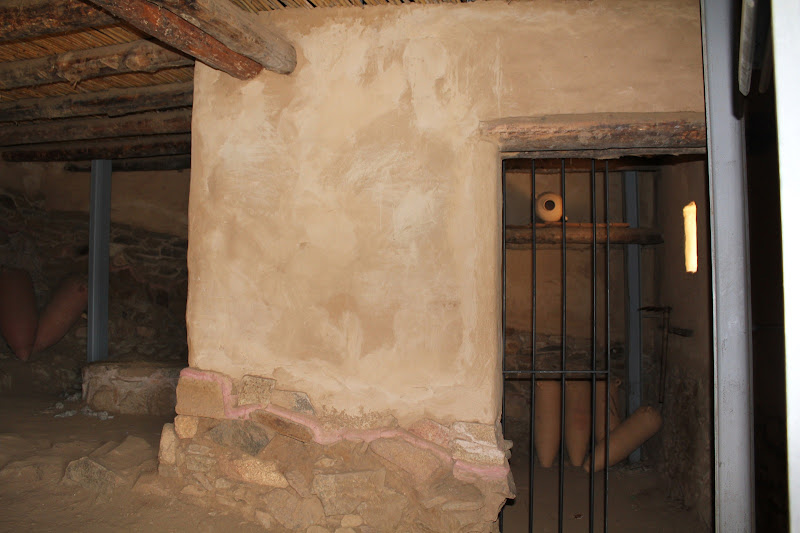 Reconstrucció d'una casa ibèrica II