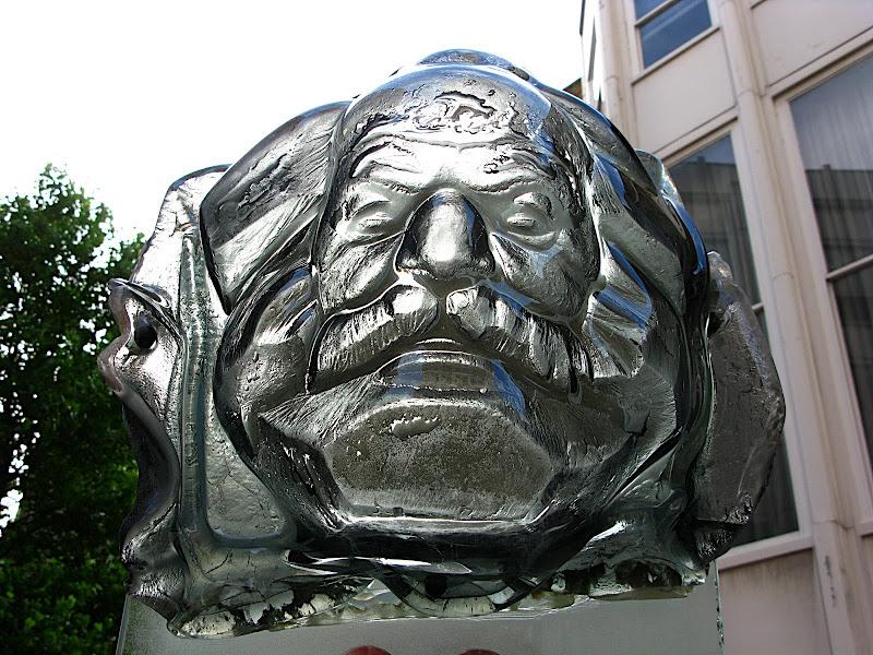 Sex with Karl Marx (III)