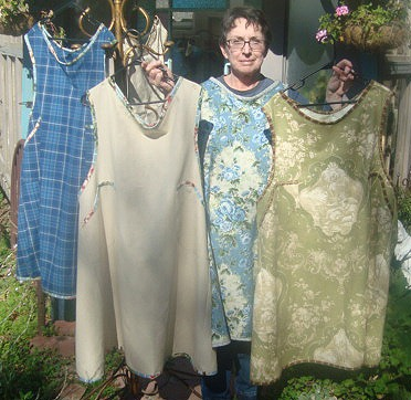 [Barb with aprons[5].jpg]