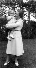 Karen with an Ostlund aunt 3