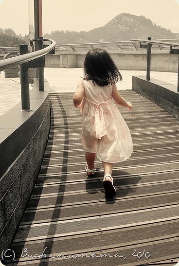 zoe running1