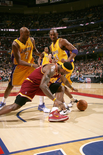King James James Scores 37 as Cavs Sweep Kobe amp the Lakers
