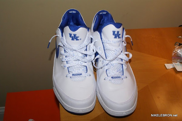 Nike Air Max LeBron VII 7 Low 8211 University of Kentucky PE